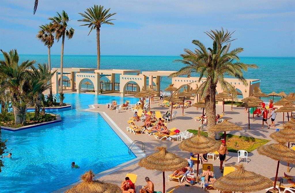 Лучшее время для отдыха в Тунисе
